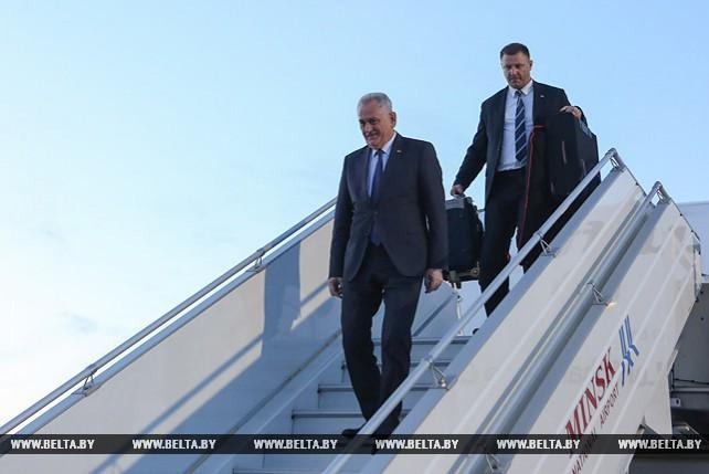 Президент Сербии прибыл в Беларусь с рабочим визитом