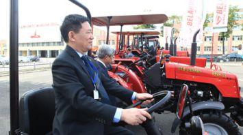 Вьетнамская делегация посетила Минский автозавод