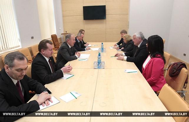 Жарко встретился с эстонскими парламентариями