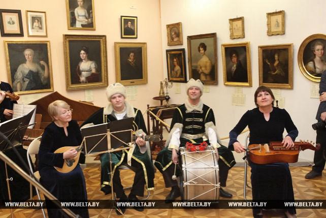 Презентация выставки из коллекции Матея Радзивилла состоялась в Гомеле