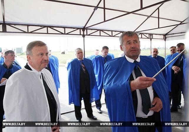 """Кобяков посетил ОАО """"Могилевский ленок"""""""