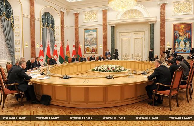 Лукашенко и Маргвелашвили провели переговоры в расширенном составе