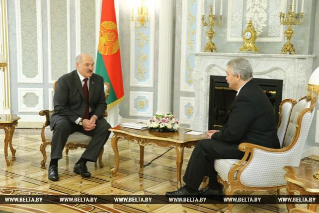 Лукашенко встретился с Чрезвычайным и Полномочным Послом Молдовы в Беларуси Георге Хиоарэ