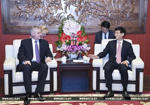 Зась встретился с секретарем Политико-юридической комиссии ЦК Компартии Китая