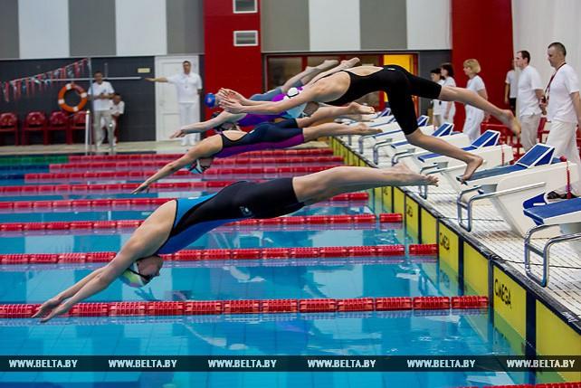 В Бресте стартовал открытый чемпионат Беларуси по плаванию