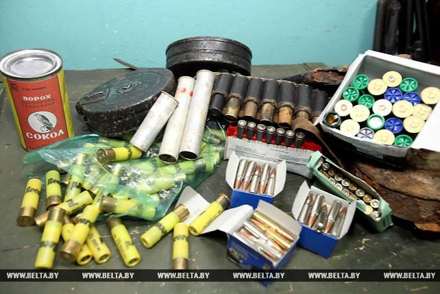 """Значительное количество оружия изъяли витебские милиционеры во время операции """"Арсенал"""""""