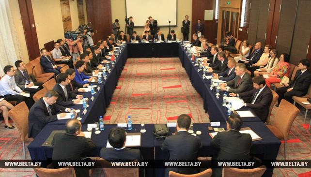 Снопков встретился с председателем Комитета по контролю и управлению государственным имуществом при Госсовете Китая