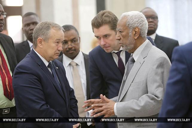 Суданские парламентарии посетили НАН Беларуси