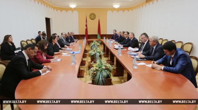 Макей встретился с министром лесного хозяйства и водных ресурсов Турции Вейселем Эроглу