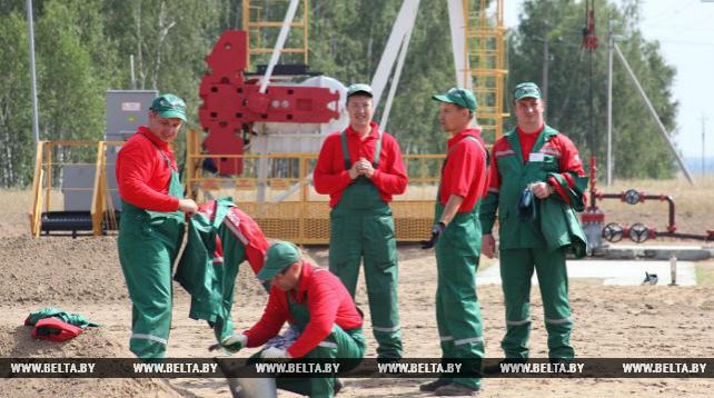 Конкурс профмастерства среди операторов по добыче нефти и газа проходит в Речицком районе