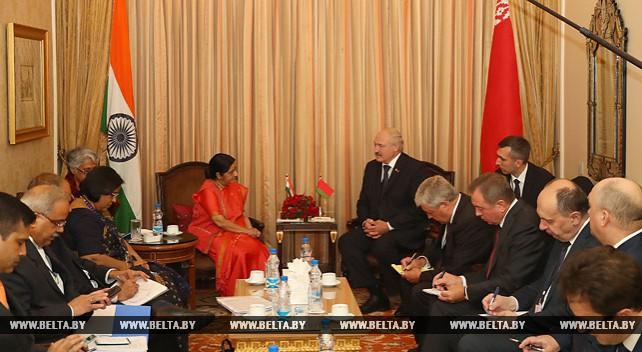 Александр Лукашенко провел переговоры с министром иностранных дел Индии Сушмой Сварадж
