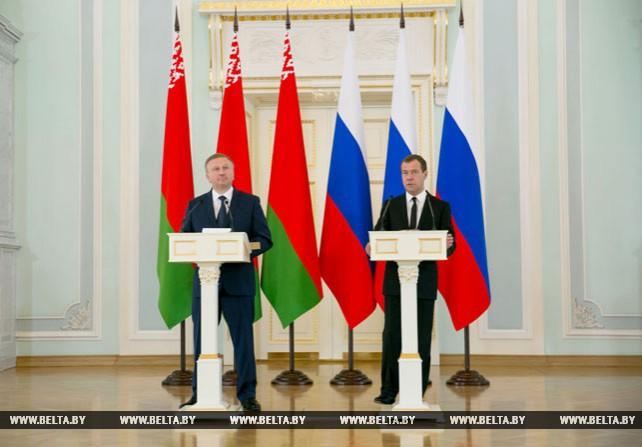 Кобяков и Медведев встретились с журналистами после заседания Совета Министров Союзного государства