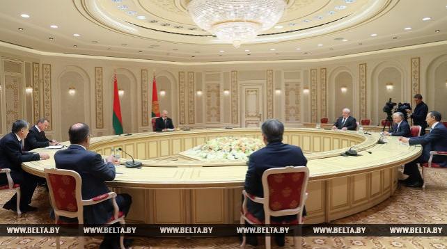 Президент Беларуси встретился с министрами иностранных дел государств - членов ОДКБ