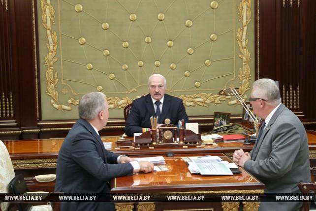 Лукашенко провел рабочую встречу по вопросам развития и совершенствования образовательной сферы в Беларуси с Василием Жарко и Игорем Карпенко