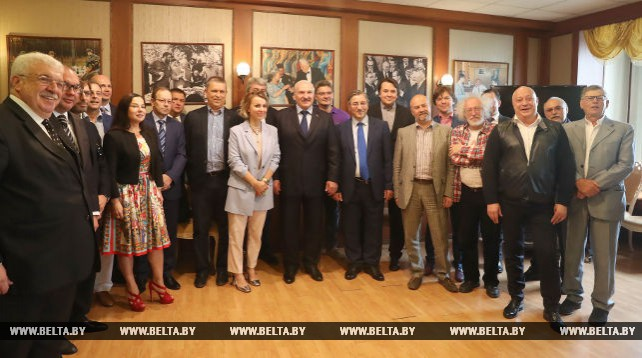 Лукашенко провел встречу с руководителями крупнейших российских СМИ в Клубе главных редакторов ТАСС