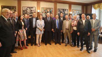 Лукашенко проводит встречу с руководителями крупнейших российских СМИ в Клубе главных редакторов ТАСС