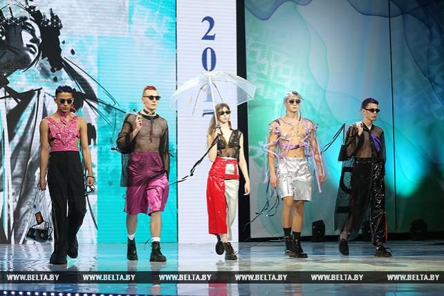 """Более 110 белорусских дизайнеров представили свои коллекции в финале """"Мельницы моды - 2017"""""""