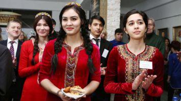 В Гродно впервые проходит открытый фестиваль туркменской культуры