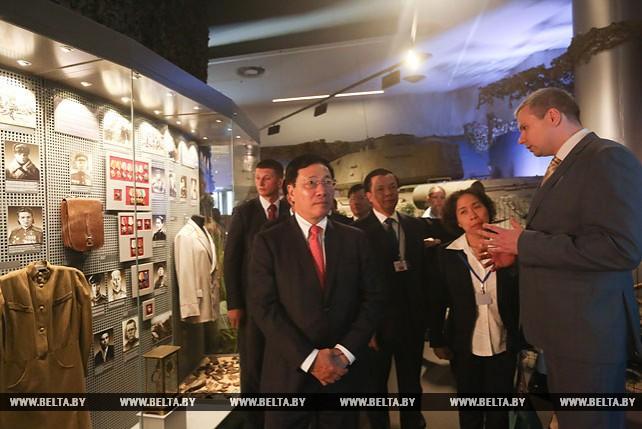 Вьетнамская делегация посетила Белорусский музей истории Великой Отечественной войны