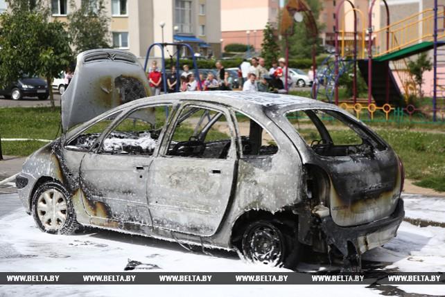 В Гродно на ходу загорелся легковой автомобиль