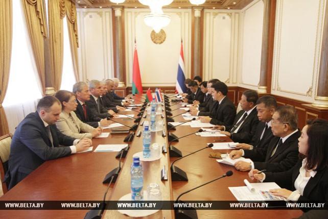 Андрейченко встретился с парламентской делегацией Таиланда