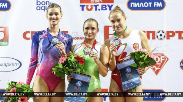 Пять медалей завоевали белорусские атлеты на этапе КМ по прыжкам на батуте в Минске