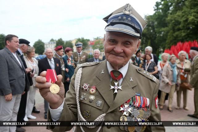 Польские ветераны приехали в Гродно для встречи с однополчанами