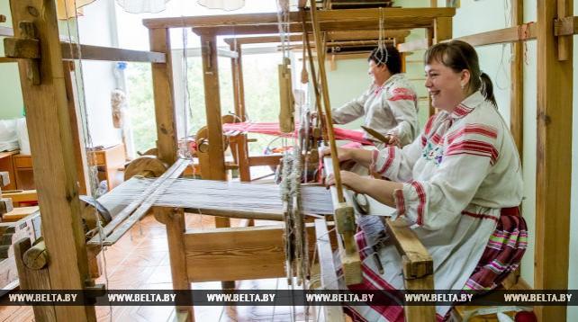 Мастера Березовского центра ремесел занимаются тремя видами ткачества