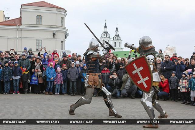 Исторические представления проходят по субботам у минской ратуши