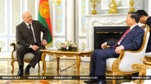 Президент Беларуси встретился с министром общественной безопасности Вьетнама