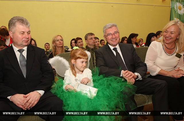 """Акция """"Наши дети"""" прошла в Республиканском реабилитационном центре для детей-инвалидов (РРЦДИ) в Минске"""