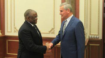Андрейченко встретился с министром иностранных дел Анголы Жоржем Ребелу Шикоти