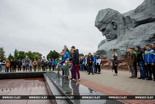 Церемония посвящения в рабочий класс прошла в Брестской крепости