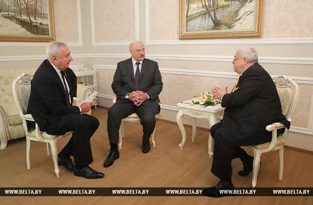 Лукашенко на полях конгресса русской прессы встретился с Игнатенко и Гусманом и дал интервью ТАСС