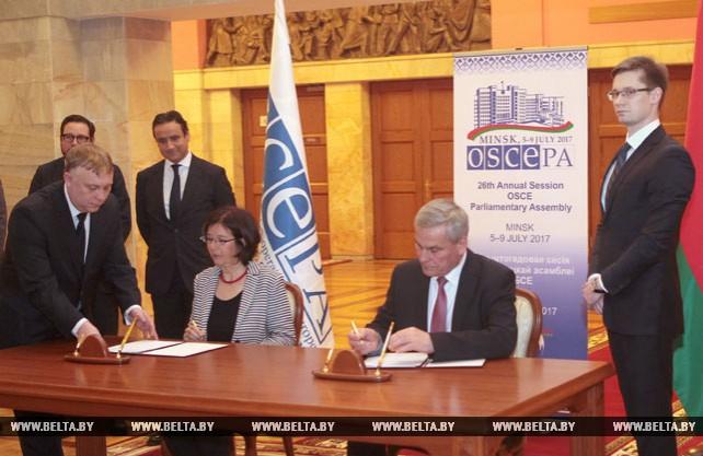 Андрейченко и Муттонен подписали соглашение о проведении в Минске 26-й летней сессии ПА ОБСЕ