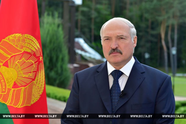 Лукашенко: мирные встречи военных - лучшее доказательство доверия между государствами и ВС