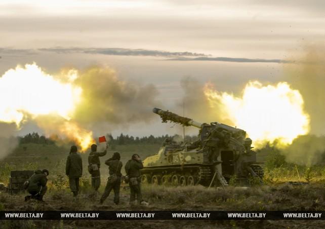 Артиллеристы проводят учения на Обуз-Лесновском полигоне