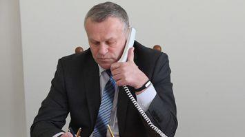 Владимир Цумарев провёл прямую телефонную линию с жителями Могилева