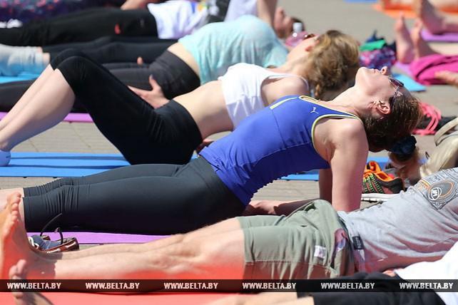 Международный день йоги отметили в Минске