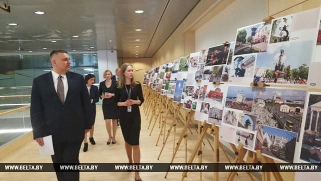 """Выставка """"Беларусь сегодня"""" на основе фотоматериалов БЕЛТА открылась в Риге"""