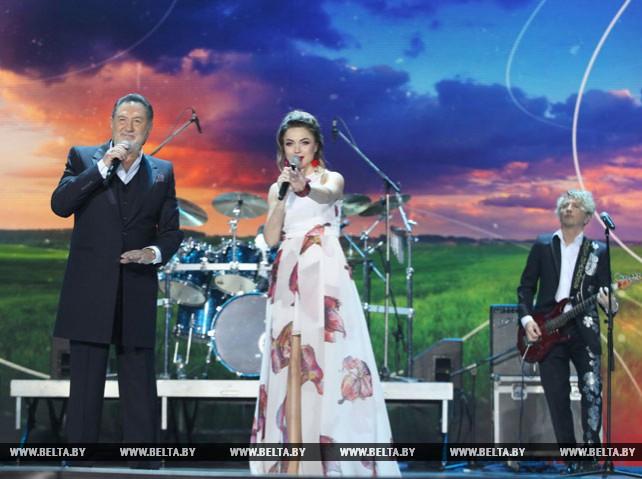 """Концертом ансамбля """"Сябры"""" завершился День Союзного государства в Витебске"""