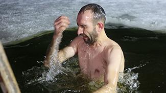 Правила безопасного поведения во время крещенских купаний: минимизация риска для здоровья