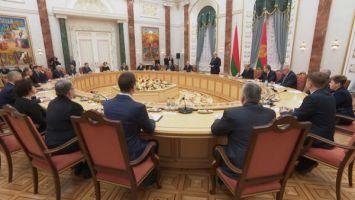 Лукашенко подчеркивает стратегическую значимость научной отрасли для развития страны