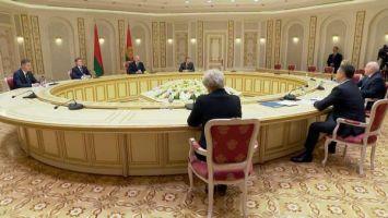 Лукашенко - губернатору Псковской области: если у наших людей добрые отношения, экономика придет