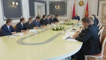 Лукашенко требует навести порядок в деятельности ИП и самозанятых