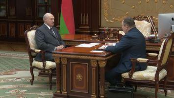 О ситуации с бюджетом и зарплатах - Лукашенко принял с докладом министра финансов