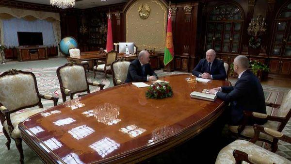 Лукашенко о санкционном давлении: мы должны научиться противостоять этому