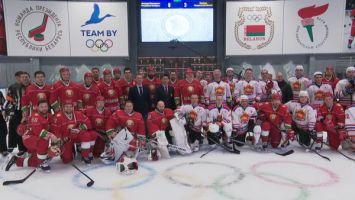 Хоккейная команда Президента победила гродненцев в матче любительского турнира
