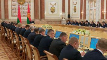 """""""Речи о списании долгов быть не может"""" - Лукашенко требует наладить эффективную работу АПК Витебской области"""
