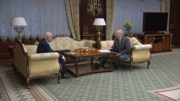 Лукашенко о фейках и последних событиях: мы страну на щиты не складываем, будем защищать, насколько возможно